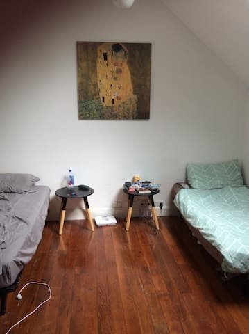 Room share in Ultimo 245 per week - Ultimo - 一軒家