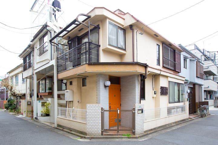 2 floors Japanese-style house 6 minutes to station