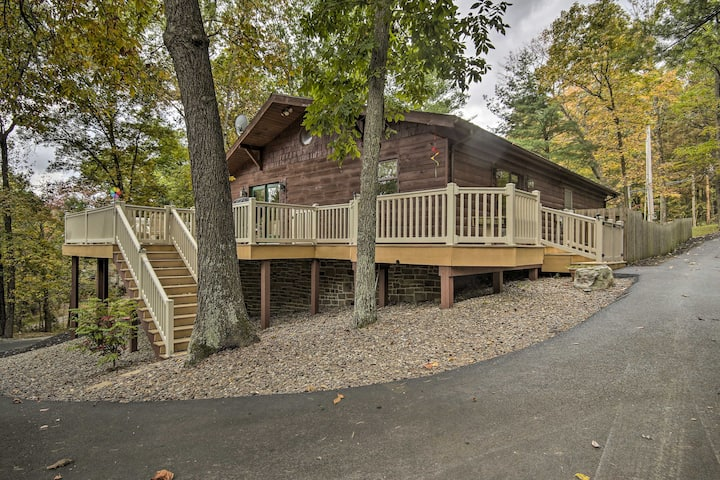 Pet-Friendly Raystown Lake Cabin w/Deck & BBQ!