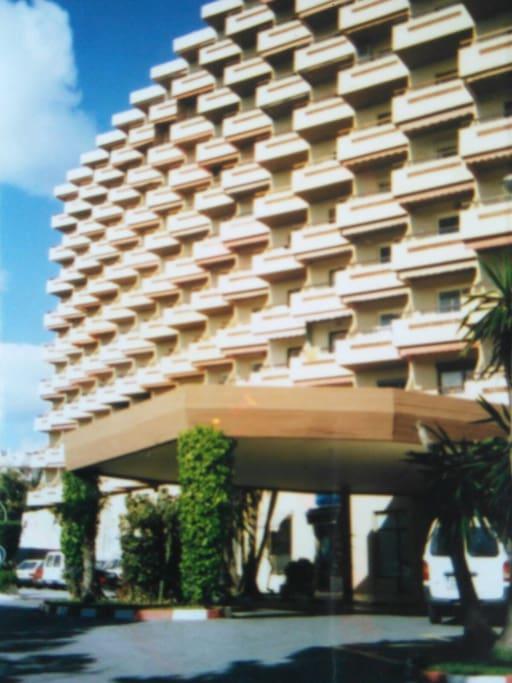 Edificio Duquesa de España con aparcamiento