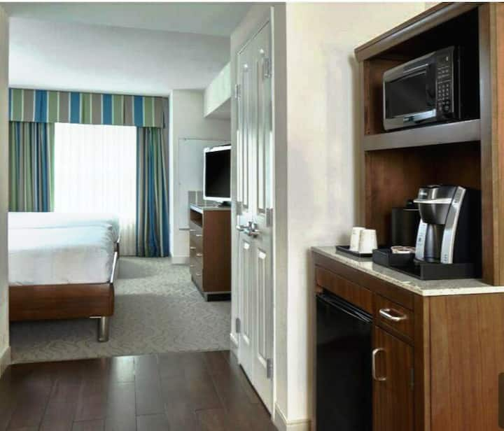 ULTIMATE ALL STAR WEEKEND STAY! HEART OF  THE CITY