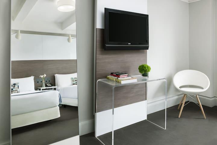 Guestroom details
