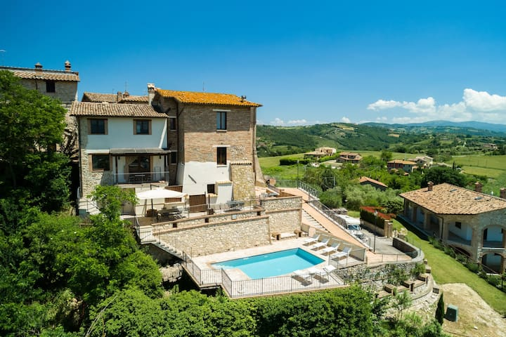 Fantastica villa con piscina a Piedicolle