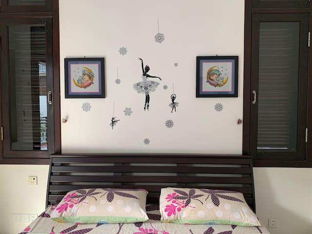 One Bedroom@SharingLivingRoom/WiFi