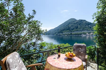 Romantic seafront apartment Mljet - Sobra