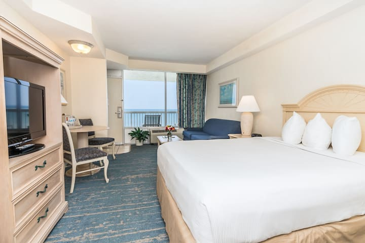 King Ocean Front Junior Suite - No Cleaning Fees