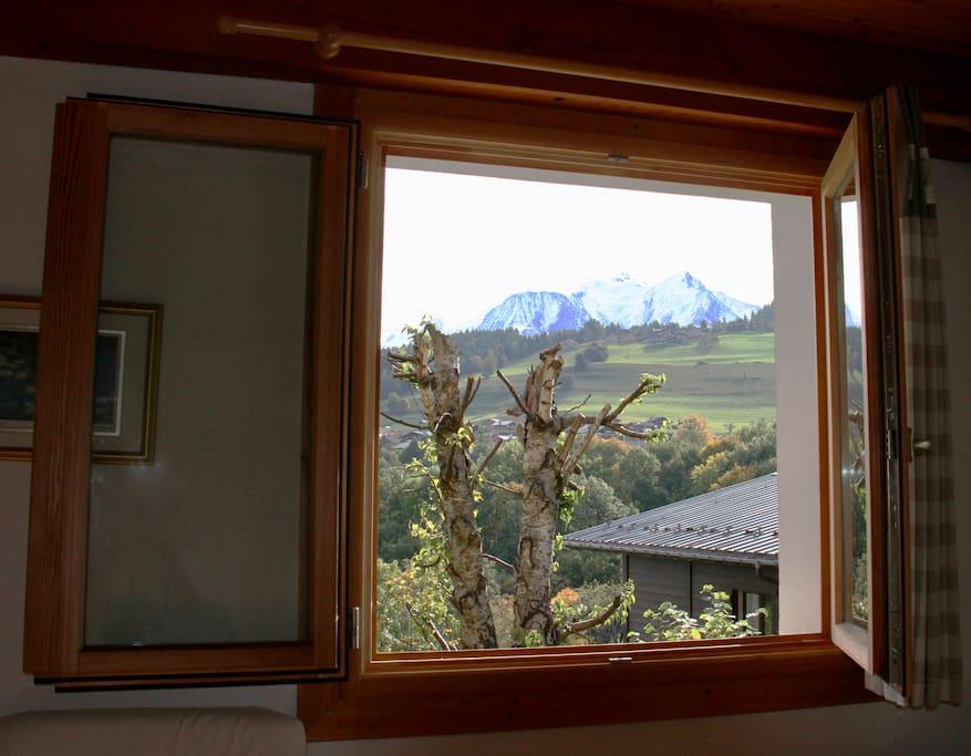 Vue sur le Mont-Blanc depuis l'oreiller :)