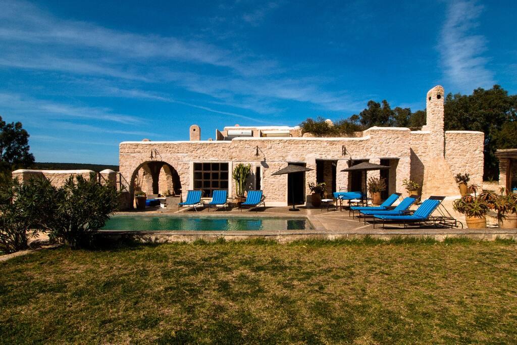 Villa essaouira avec piscine villas louer essaouira for Villa a louer a casablanca avec piscine
