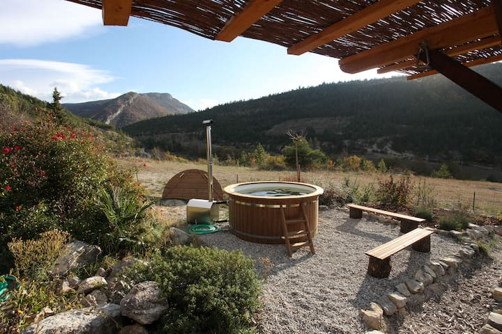 For an unforgettable experience at any time of year, don't forget to book our wood-fired hot tub for your stay.