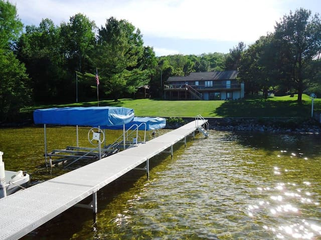 Large Cottage on Intermediate Lake for summer fun!