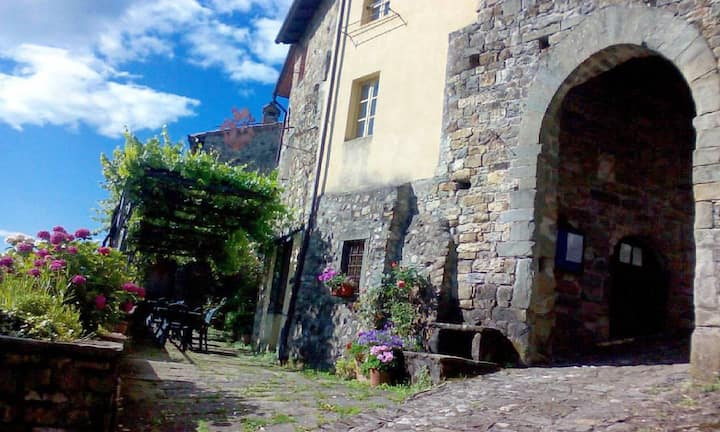 Corpo di Guardia-antica casa in borgo medievale