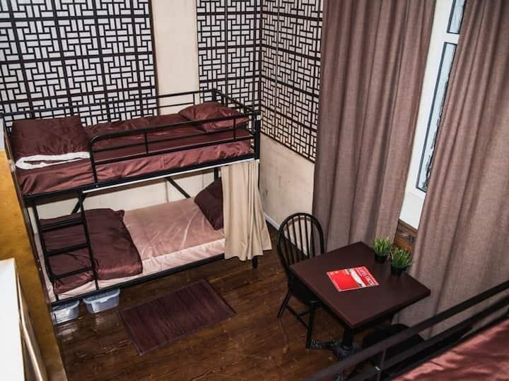 Asia. Art otel  hostel Vorota solnca
