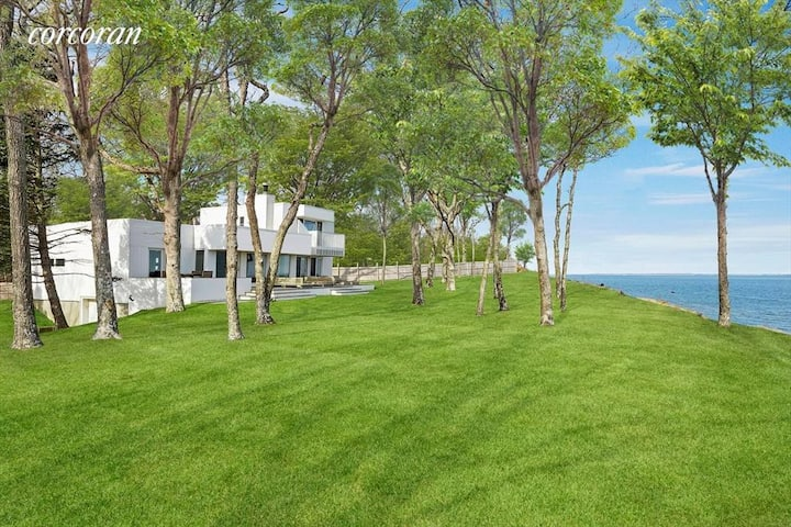 Bluff top bay front modern home East Hampton