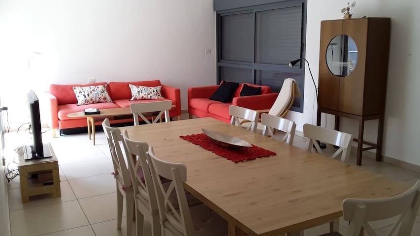 Overlooking the Beach - Netanya - Appartement