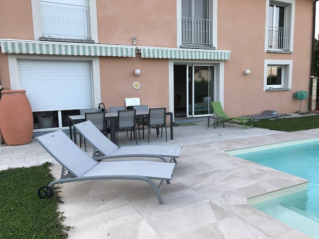 Beautiful villa near Geneva airport and Palexpo
