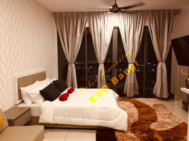 Evo Bangi Suites *Brand New Homestay*FREE WIFI*