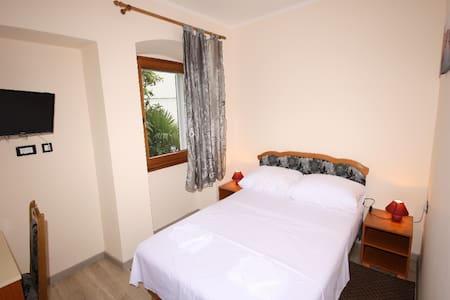 Rooms Valention with AC 101 - Poreč - Bed & Breakfast