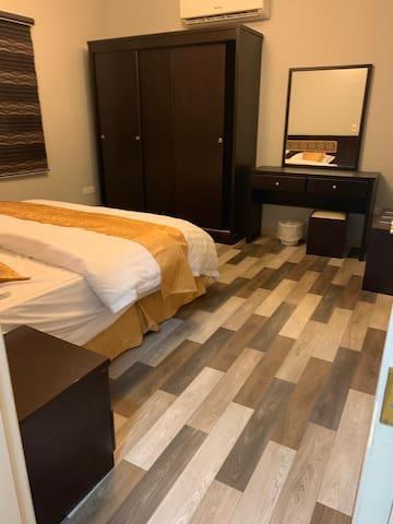 برج السلامة شقة ٢  (غرفة وصالة وحمامين ومطبخ مجهزة