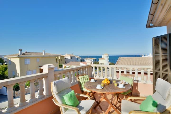 Mallorca apartment sea views and terrace