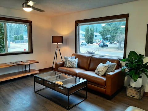 Mountain Getaway - 2 BR suite close to town