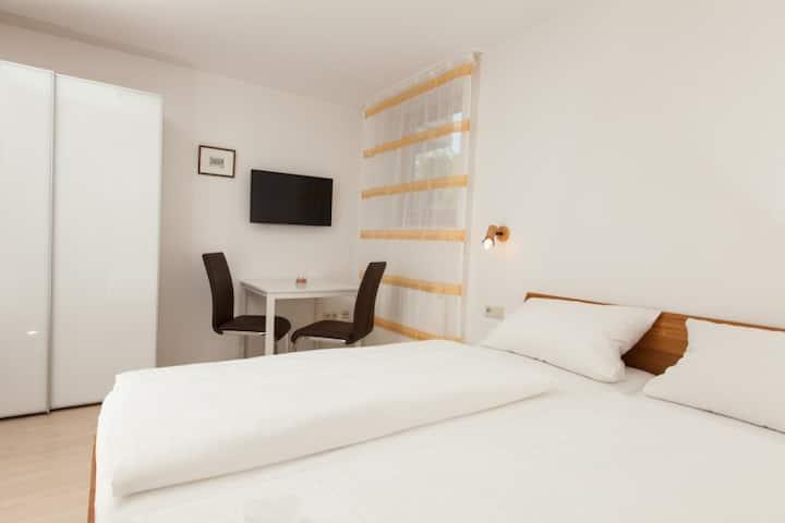Gästehaus Schechter, (Uhldingen-Mühlhofen), Doppelzimmer mit Dusche und WC