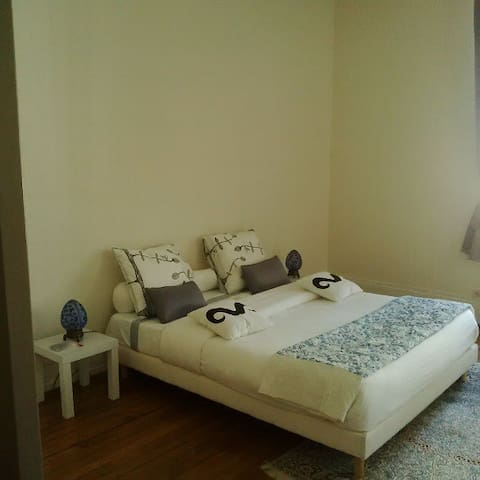 Luxury Bed Room for Rent  DOWN TOWN
