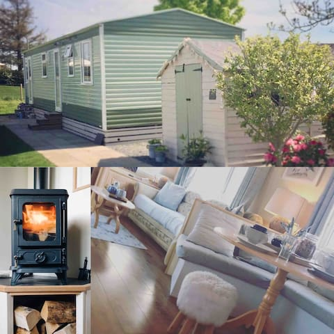 Anglesey Carden Caravan, countryside& snowdon view