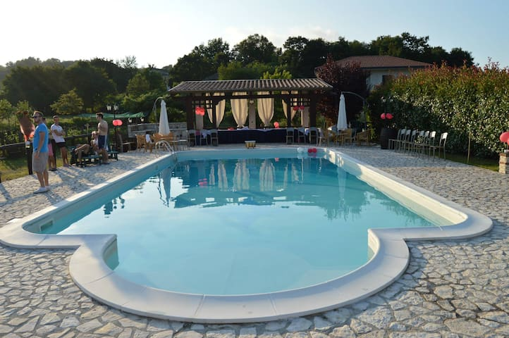 Villa with swimming pool for holidays - Liberi - Casa de camp