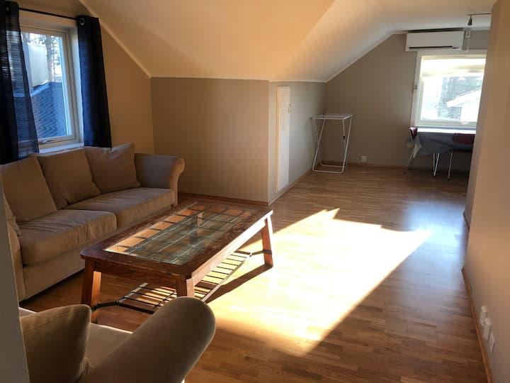 Koselig leilighet i 2.etasje med 2 soverom.