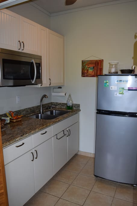 Mai'a Studio kitchenette