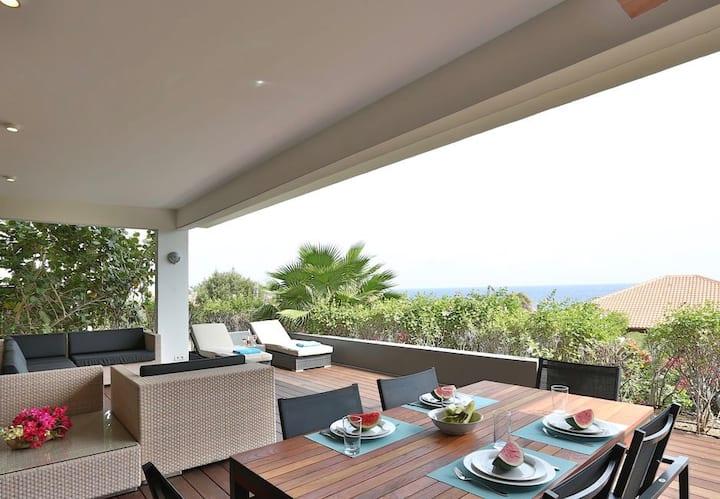 Luxurios apartment with sea view at Boca Gentil