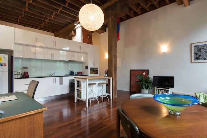 Stylish Warehouse Apartment - Redfern
