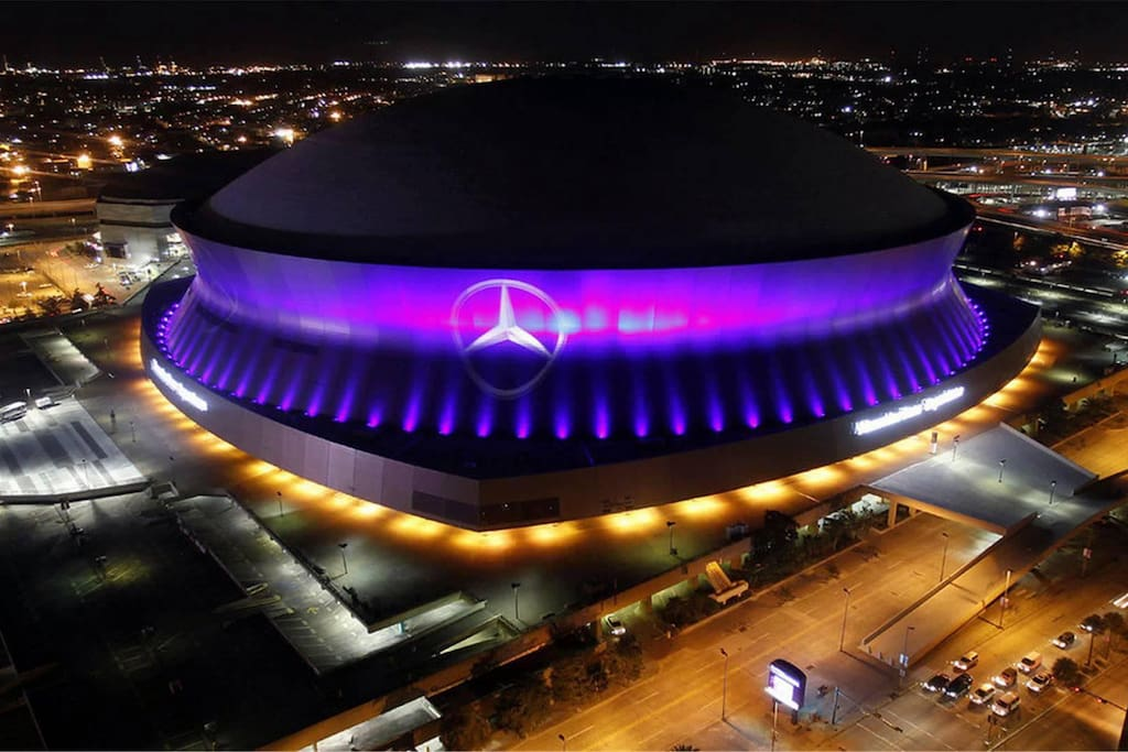 Mercedes Benz Super Dome