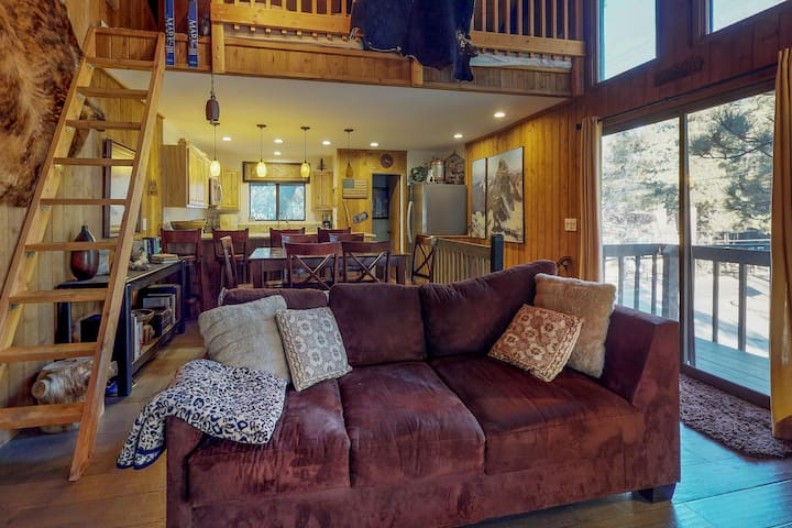 Ski-in/ski-out from this cozy condo with loft, fireplace, and furnished deck