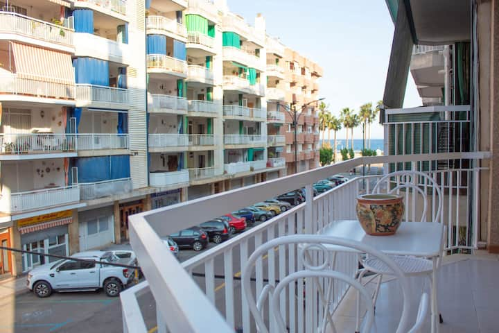 1 bedroomed apartment right by the beach.