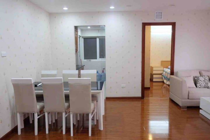 Trung Hoa 3BR entired apartment *QUAN AN NGON*