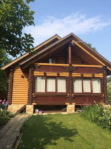 Уютный дом из бревна - Сергиев Посад - Haus