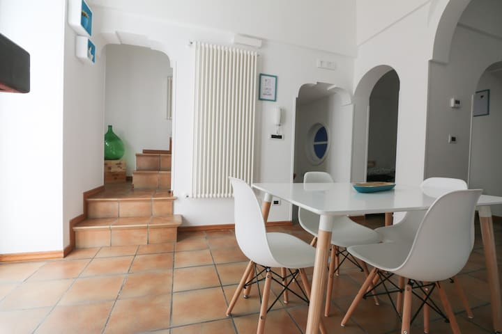 A Casa da Noi, bright house with panoramic terrace