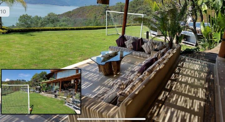 Casa con la mejor Vista de Valle de Bravo!