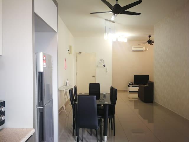 8 Guest Bukit Indah Johor Bahru