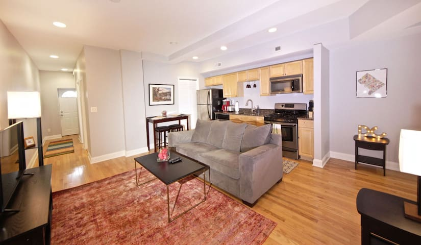 LARGE PRIVATE APT in trendy Shaw,Parking,Yard, W/D