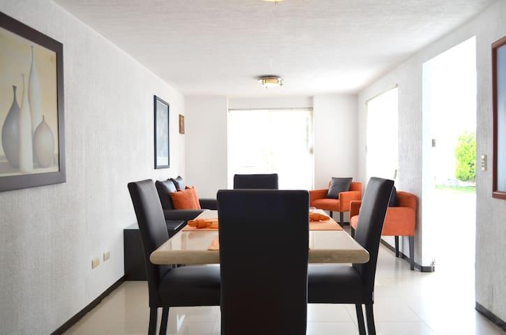 Apartamento independiente en casa - Guadalajara - Apartment