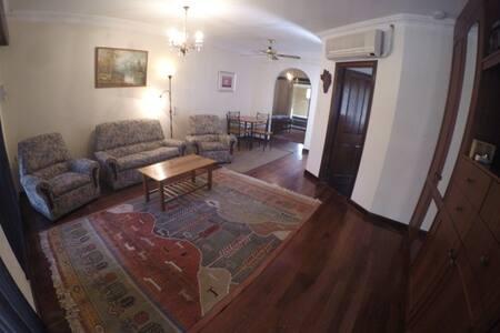 Lakeshore - Ballajura - 公寓