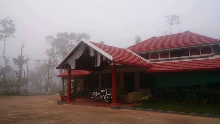 Manyatha Homestay - Mullayyanagiri Hill View