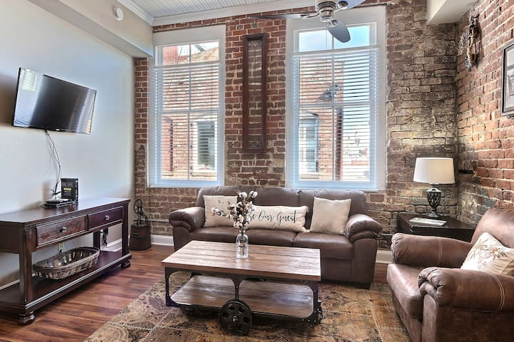 Brand New Broughton Street Rental Property! Sleeps 4!