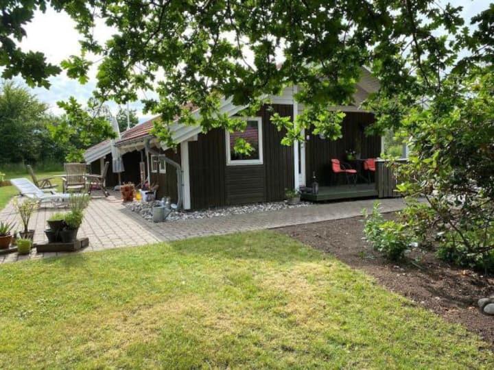 Hyggeligt sommerhus nær Ebeltoft, strand og skov
