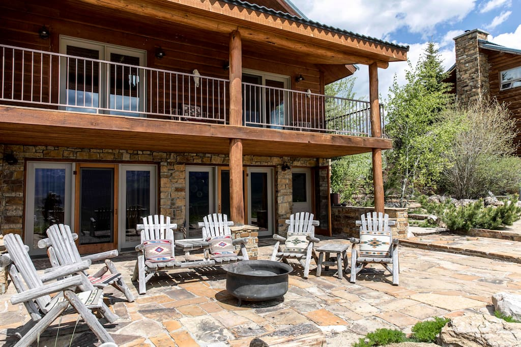 Front patio with fire pit.