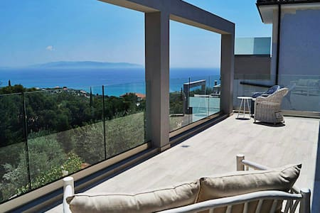 Villa - excellent view and pvt pool in Kefalonia - Kefallonia - Willa