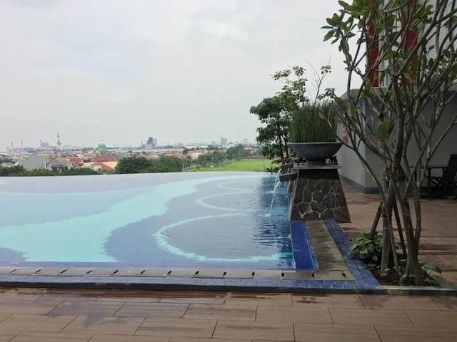 Cozy Apartment 10 minute to SurabayaCulinaryCenter