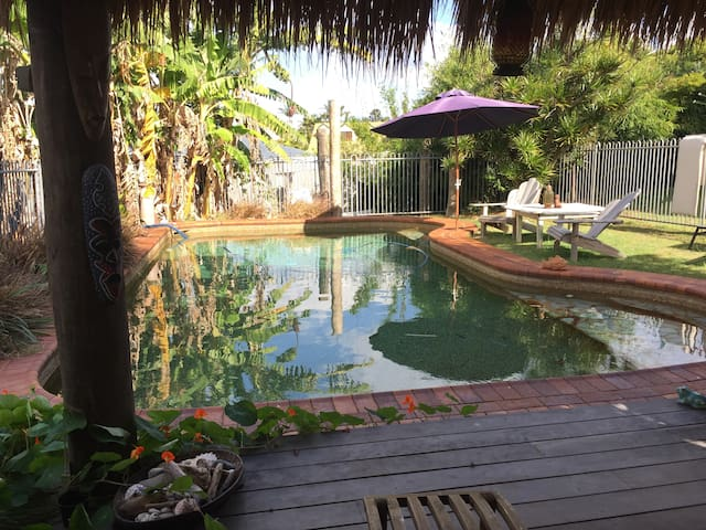 Tropical Paradise, Private Guest Suite & Pool